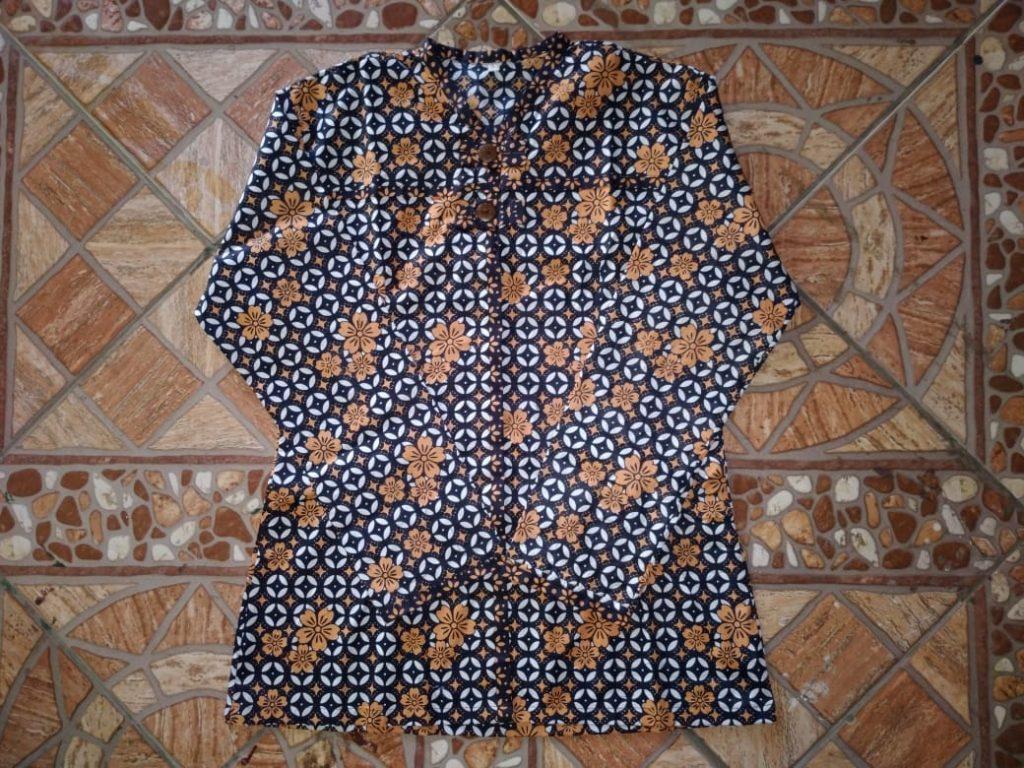 Contoh Pakaian Batik Model Blus Wanita